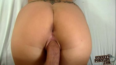 Elite rich chick prefers double penetration into her ass