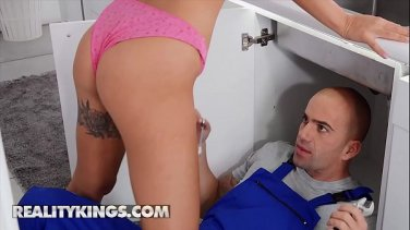 japanese girls using the toilet great view of the pussy