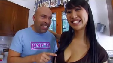 Mom kendra lust gives you a hot pov handjob